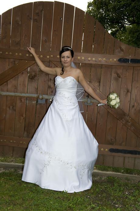 98fb30e089bf Pekne svadobne šaty