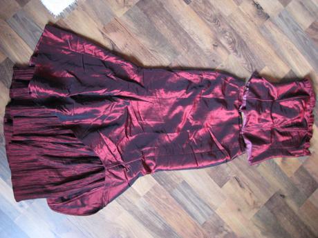 korzetove šaty, 37