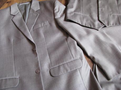 Oblek - trojkombinácia - sivo hnedý s leskom , 54