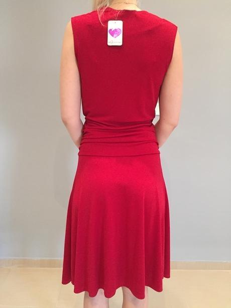 Červené elegantní šaty, 36