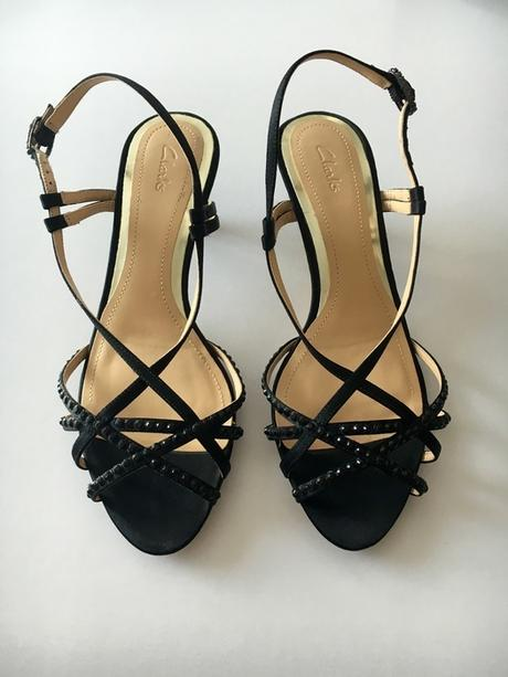 Spolecenske sandalky zn. Clarks, 37