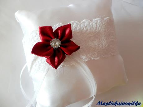 Svatební polštářky pod prstýnky,