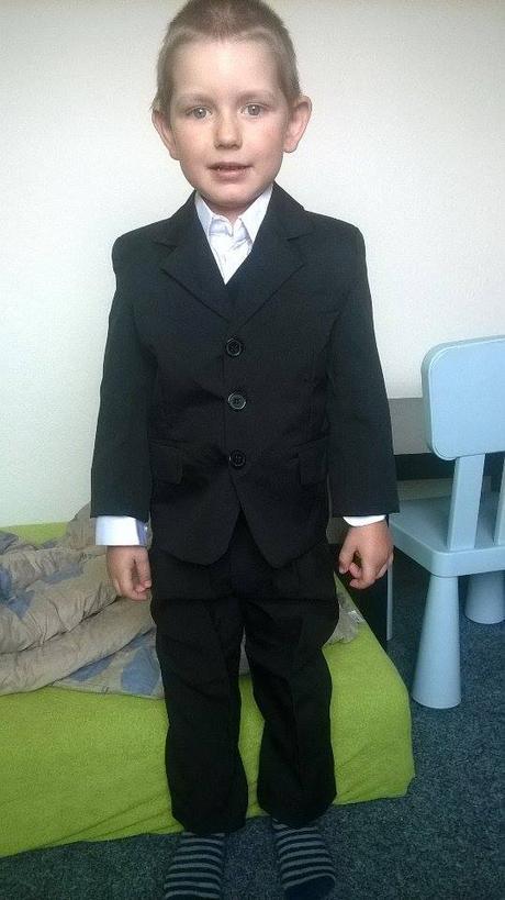 chlapecky oblek 3-4 roky, 104