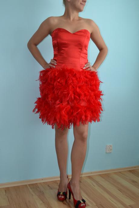Červené šaty , 38