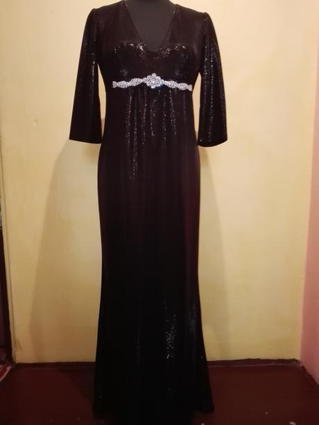 Čierne trblietavé šaty, 38