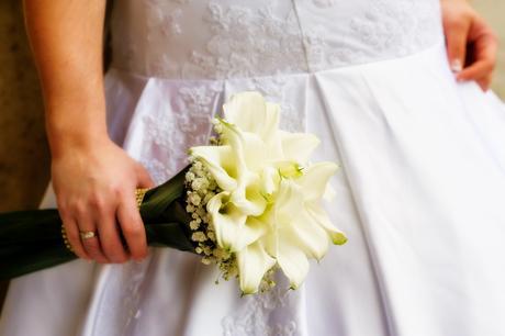 Zoštíhlujúce svadobné šaty , 48