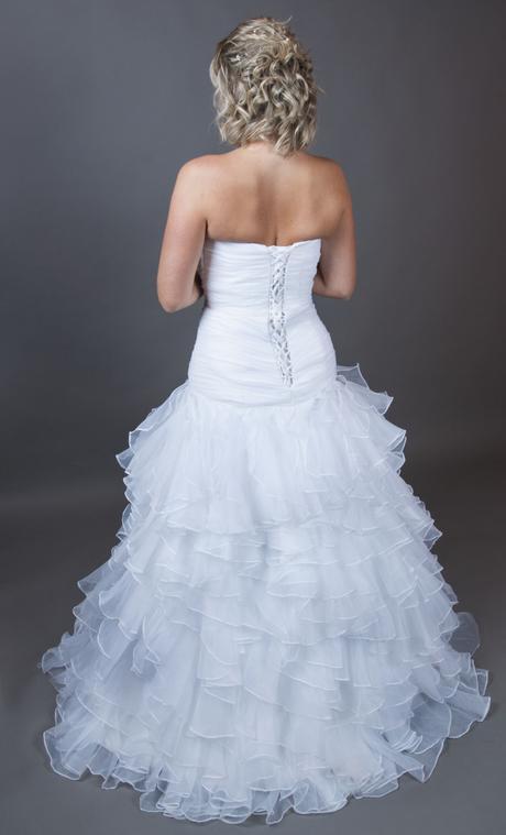 bílé korzetové svatební šaty, 38