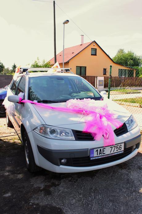 Dekorace na auto  nevěsta,
