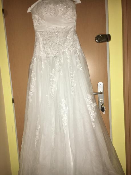 biele svadobné šaty , 38