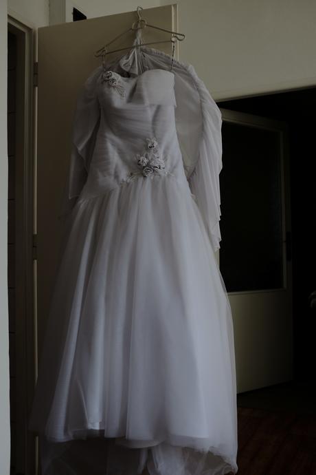 Svatební šaty pro menší nevěsty , 38