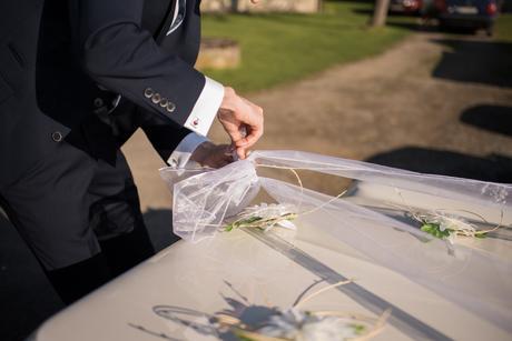 Dekorace na auto nevěsty/ženicha,