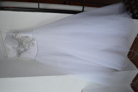 Luxusní šaty s korzetem s perlami a kamínky, 38