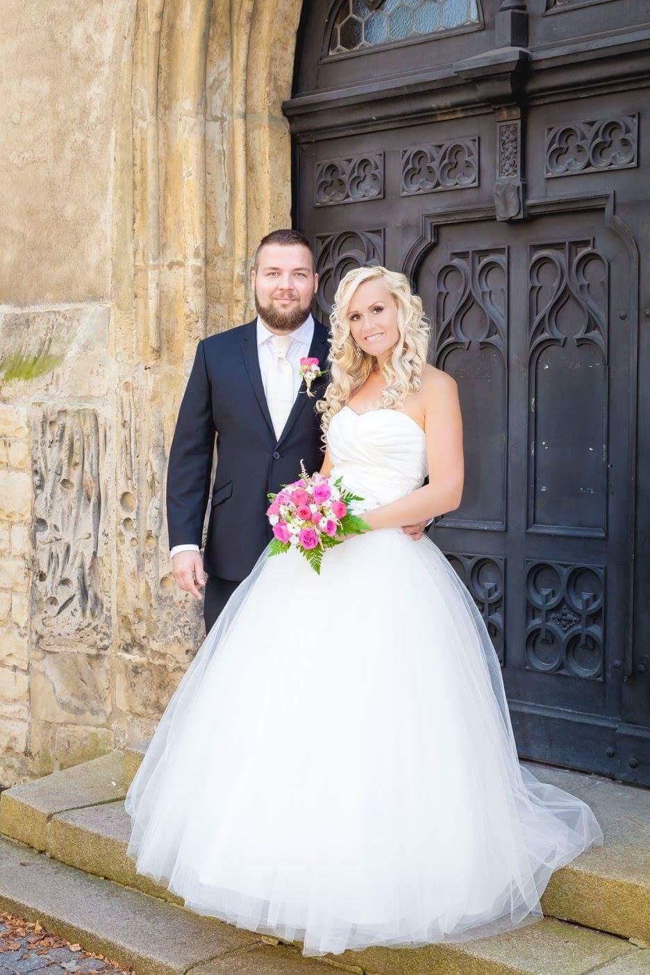 1d4d0fe90f8 Svatební šaty vel 38 42