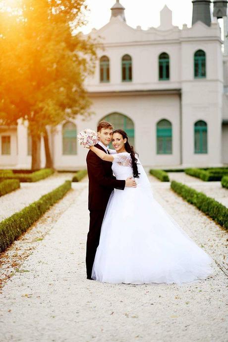 ručne šité svadobné šaty , 36