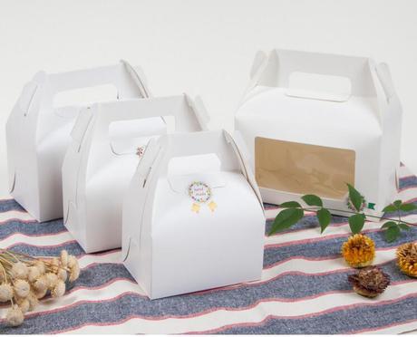 Box na zákusky biely 17,5x9,5x10 cm s okienkom ,