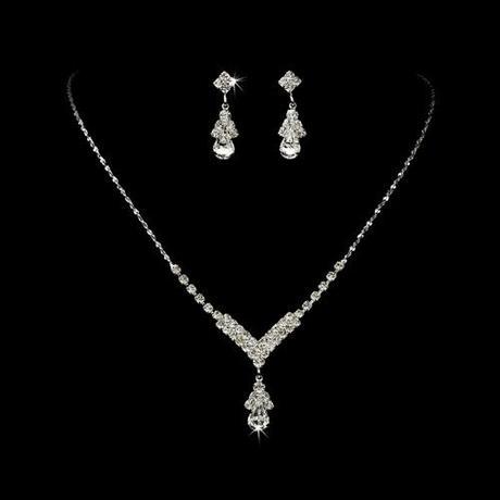 Set - náušnice a náhrdelník,