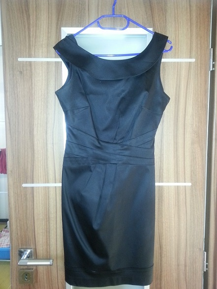 čierne koktejlky šaty Warhouse , 36