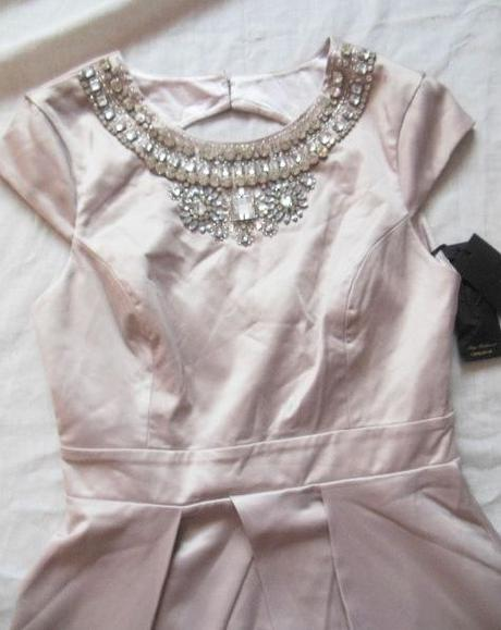 lipsy vip šaty pc 120libier, 36