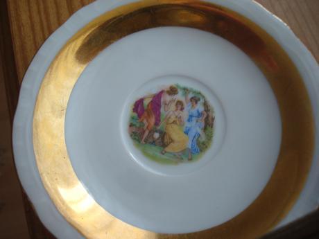 1 ks šálka s tanierikom 2,5 eur,