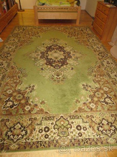 Veľký vlnený koberec,