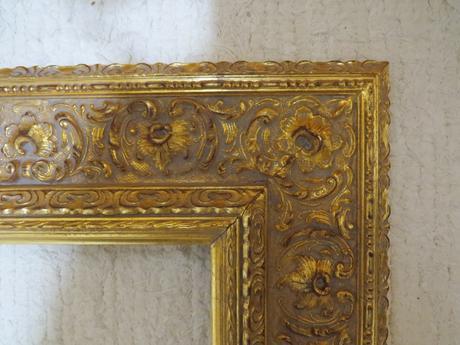 Zlatý drevený ram,