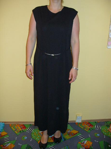 šaty černé s overalem společenské, 50