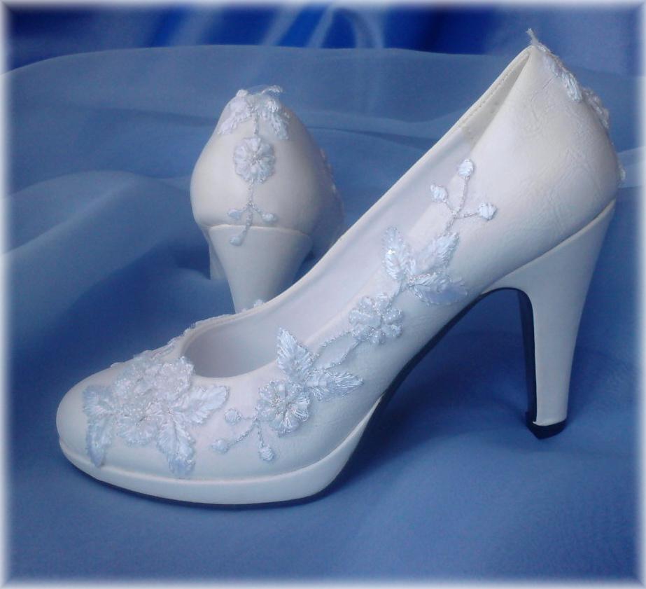 b338b9a069c Nepoužité svatební střevíčky bílé