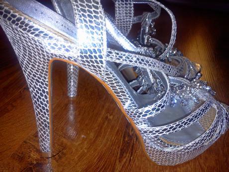 luxusne sandalky nenosene, 40