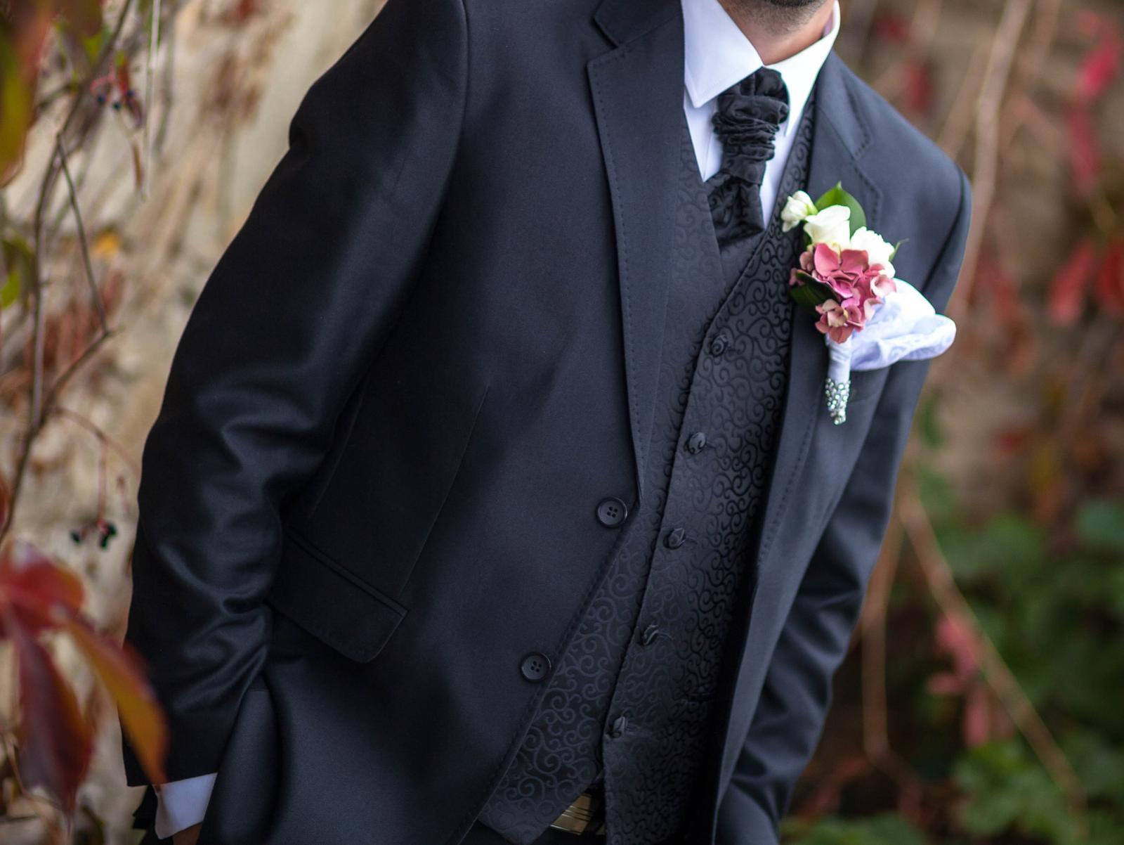 050f360d1 Svadobná vesta s francúzskou kravatou a vreckovkou, 48 - 20 € | Svadobný  bazár | Mojasvadba.sk