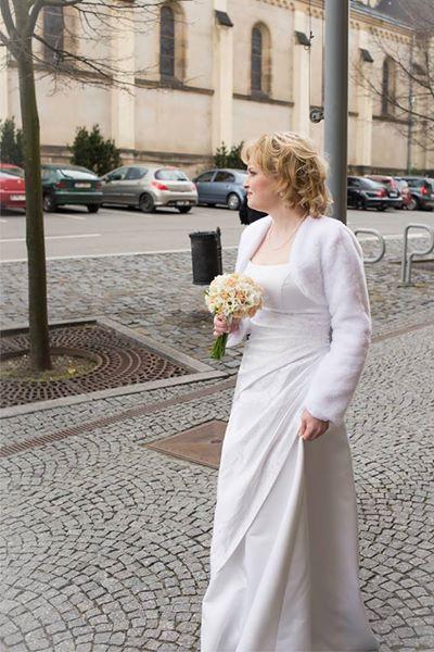 Svatební šaty - na šněrování., 38