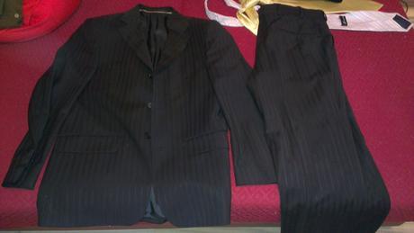 Pásikový oblek , 44