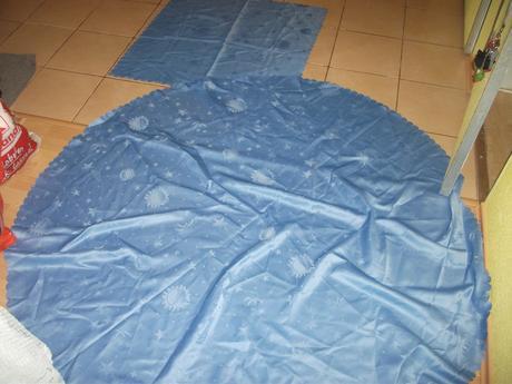 2x  satenovy obrus modrej farby-suprava,