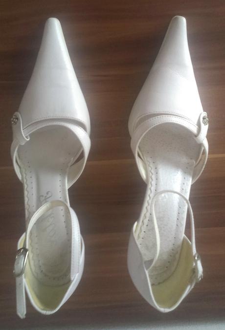 b8fe02fa680c7 Svadobné topánky biele, 35 - 8 €   Svadobný bazár   Mojasvadba.sk