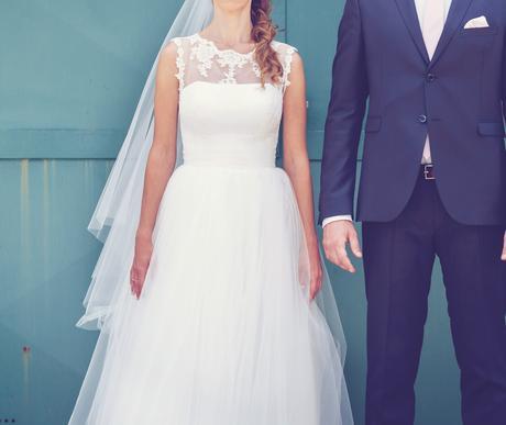 Pohodlné a ľahké svadobné šaty, 34