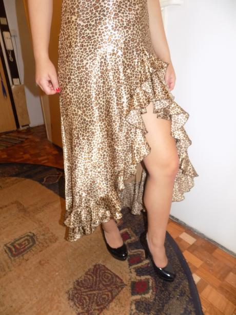 Zaujímavé šaty , 38