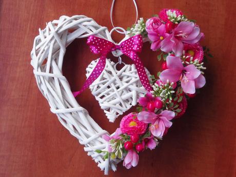 Srdce s cyklamenovými kvietkami,