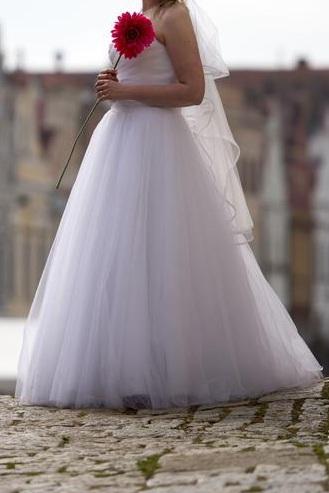 Tylové princeznovské šaty 38-40, 38