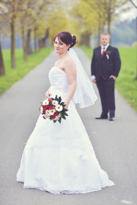 svatební šaty na vázání, 38