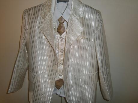 Společenský oblek, 104