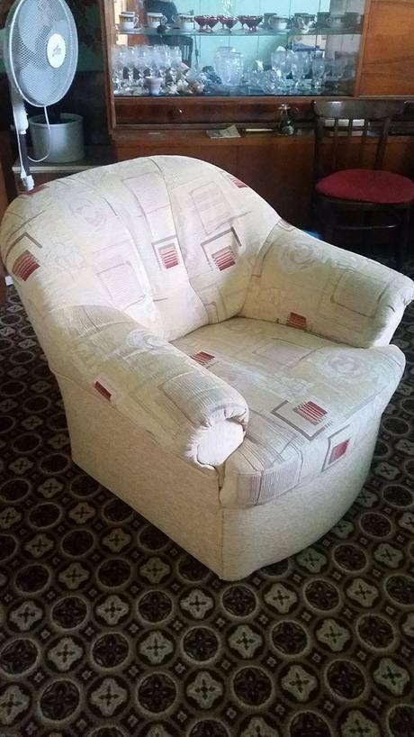 Rozkladacia rohová sedačka s kreslom,