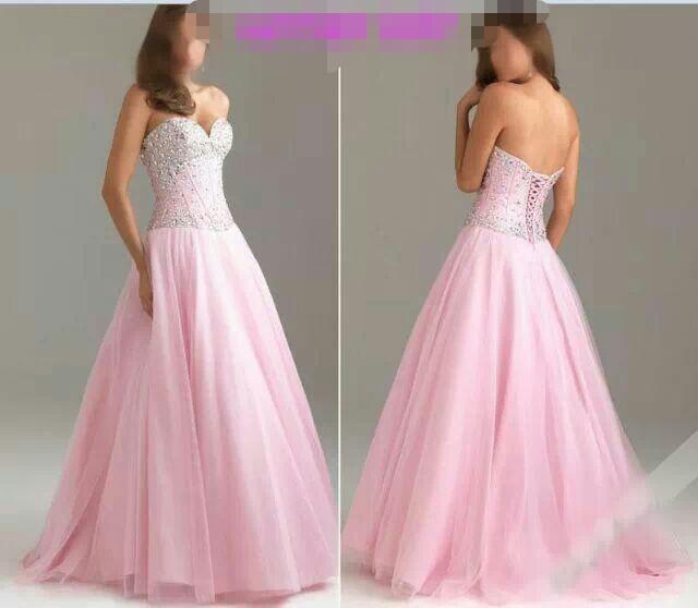 d5bab3f18538 Nepoužité princeznovské šaty