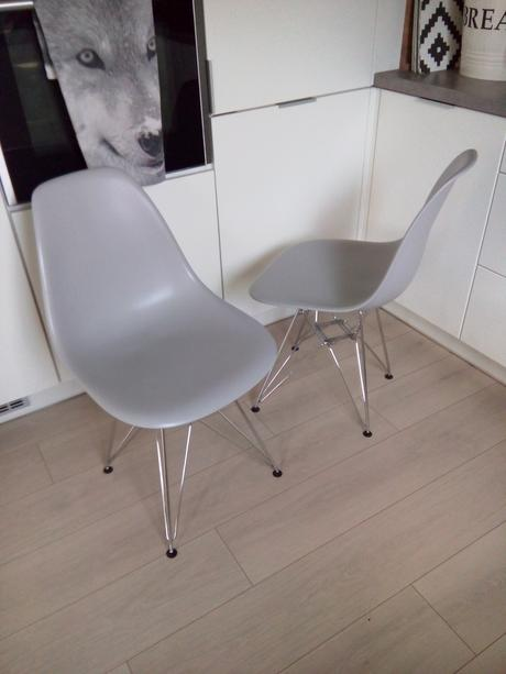 Jídelní židle ve style vitra eames,