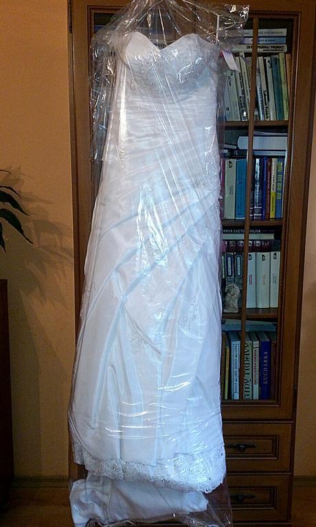 Luxusné šaty , 38