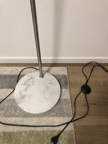 Lampa stojanka,