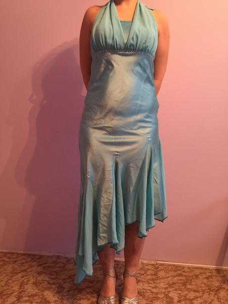 Efektní asymetrické šaty na šněrování, 40