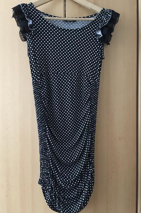 Skvělé šaty s řasením, 38