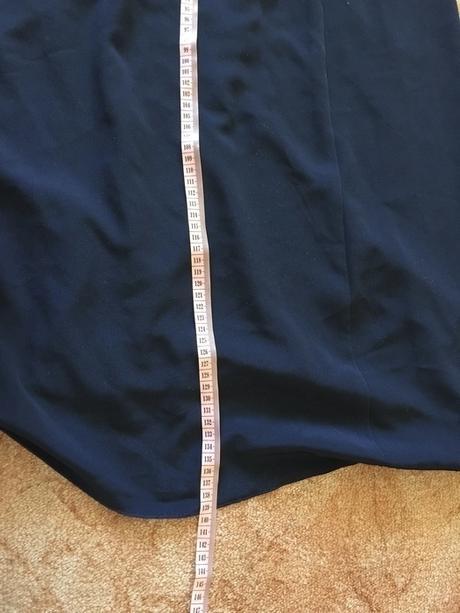 Společenské šaty na malou postavu, 38