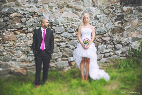 Čierny svadobný oblek, 52