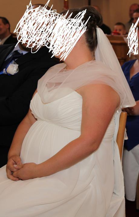 svadobno-spoločenské šaty, 46