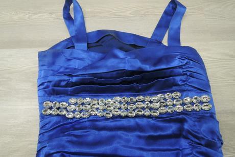 Modré šaty šité na mieru, 38